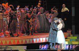 Giuseppe Verdi: La Traviata/ ML Pablo Heras-Casado/ R Rolando Villazón/ B Johannes Leiacker/ K Thibault Vancraenenbroek/ Premiere der Neuinszenierung 22.05.2015 / Pfingstfestspiele Festspielhaus Baden-Baden